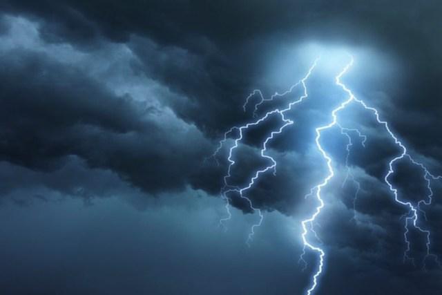 Lightning kills 2, injures 5 others in Delta
