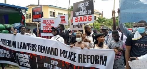 Soldiers brutalize newsmen, #EndSARS protesters in Abuja