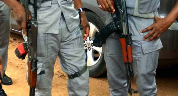One dies, others injured as customs, smugglers clash in Ogun