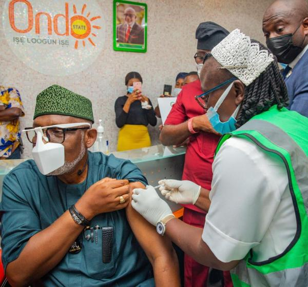 COVID-19: Akeredolu takes first jab, advises Nigerians to shun unfounded rumour about vaccine