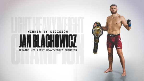 Jan Blachowicz defeats Israel 'Style Bender' Adesanya