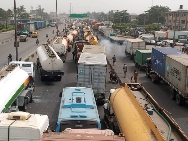 FRSC Sector Commander seeks stakeholders' support on Apapa gridlock