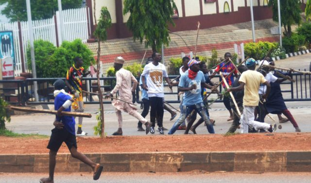 Pic14 Armed thugs disrupt NLC protest in Kaduna