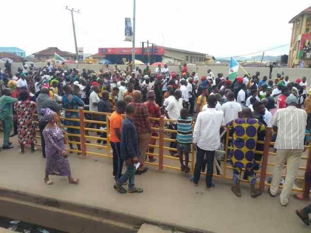 HAPPENING: Yoruba Nation agitators storm Ondo as masquerades join protest  [PHOTOS] - Vanguard News