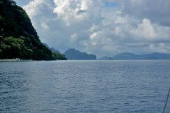 THE PHILIPPINES – A BACKPACKER'S GUIDE - The ocean in it's pure form