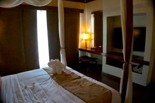 THE CRIMSON RESORT & SPA – MACTAN, CEBU – PHILIPPINES - The beautiful bedroom