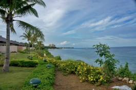 THE CRIMSON RESORT & SPA – MACTAN, CEBU – PHILIPPINES - Garden and Ocean