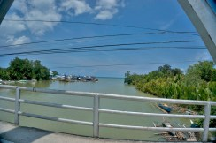 THE PHILIPPINES – A BACKPACKER'S GUIDE - River