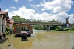 THE PHILIPPINES – A BACKPACKER'S GUIDE - Our little house boat