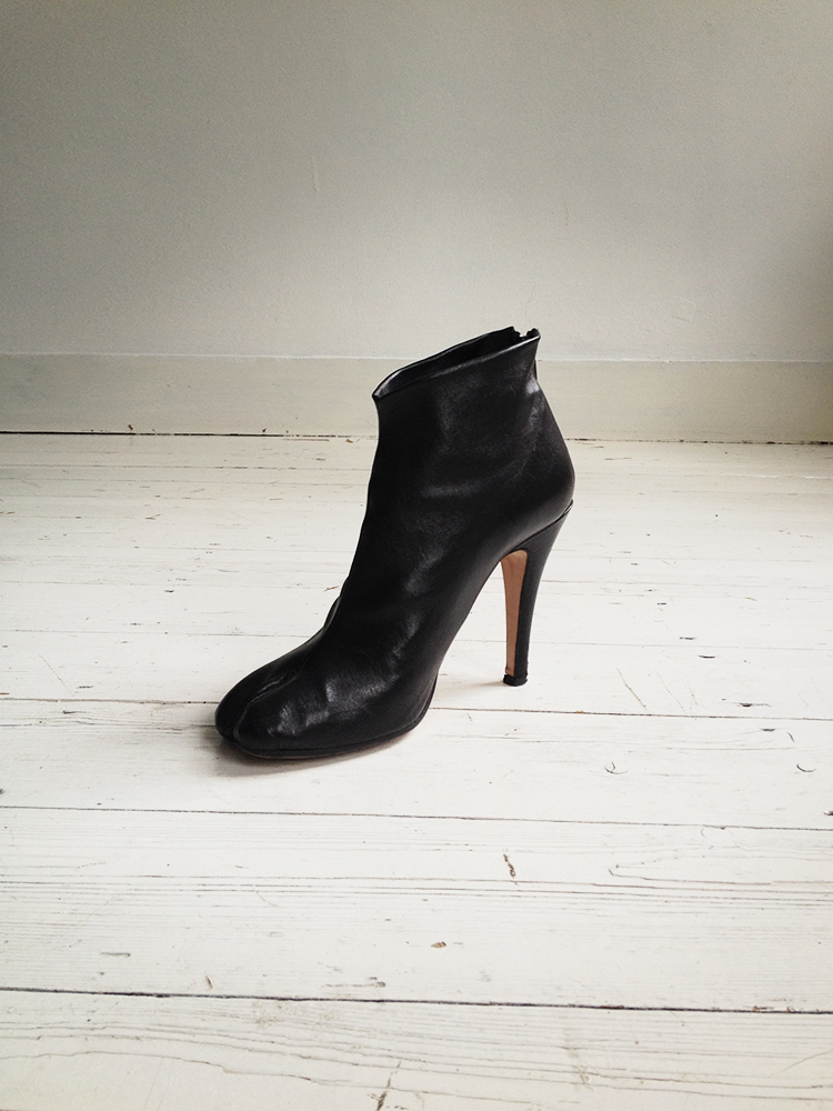 Maison Martin Margiela black tabi boots with stiletto heel 38 6613 copy