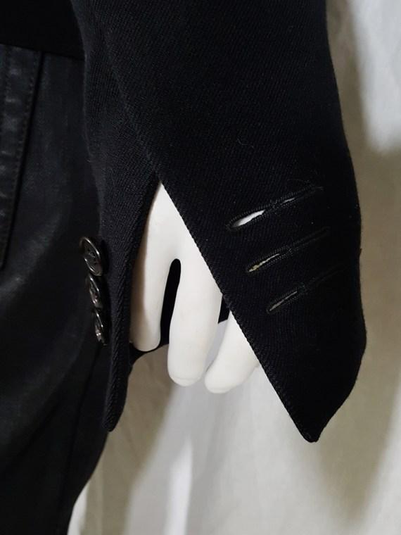 Ann Demeulemeester black blazer with cut panel runway fall 2011 _142712
