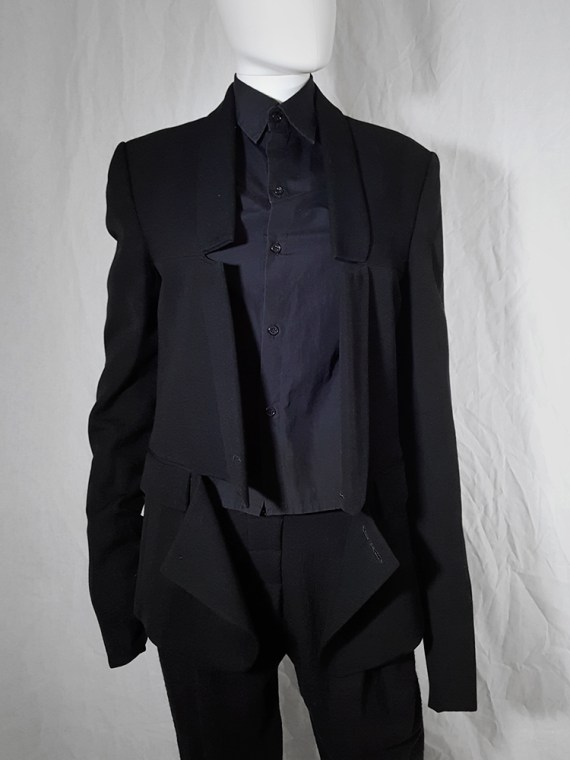 Ann Demeulemeester black blazer with cut panel runway fall 2011 _173628