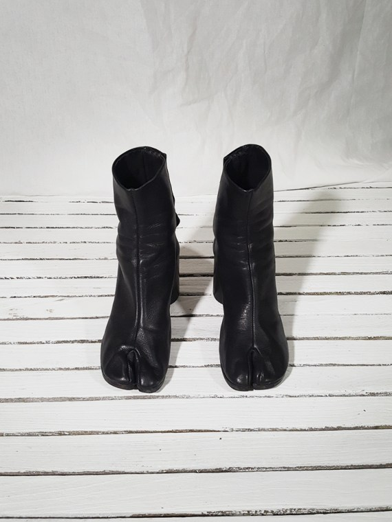 vintage Maison Martin Margiela black leather tabi boots with block heel (38)