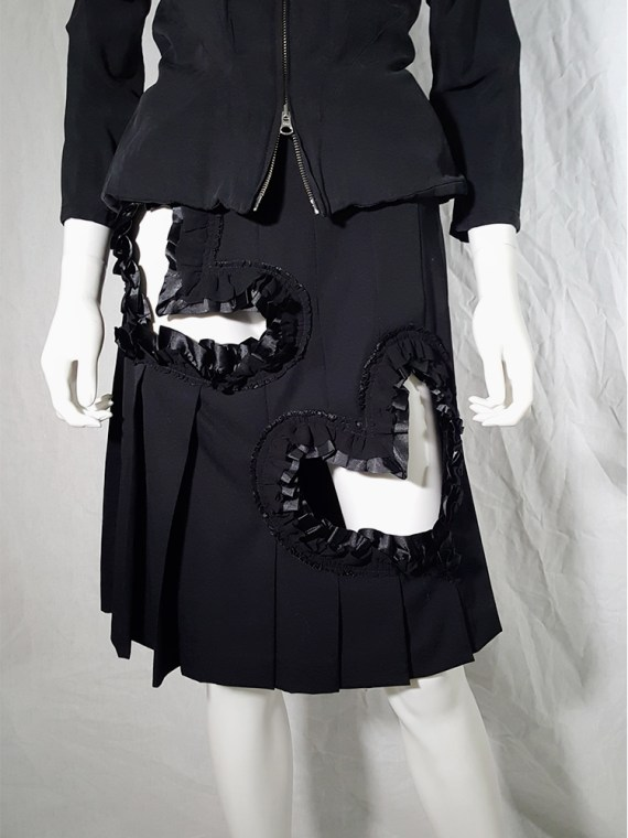 vintage Comme des Garcons black pleated skirt with ruffled hearts cut outs runway fall 2008_155815