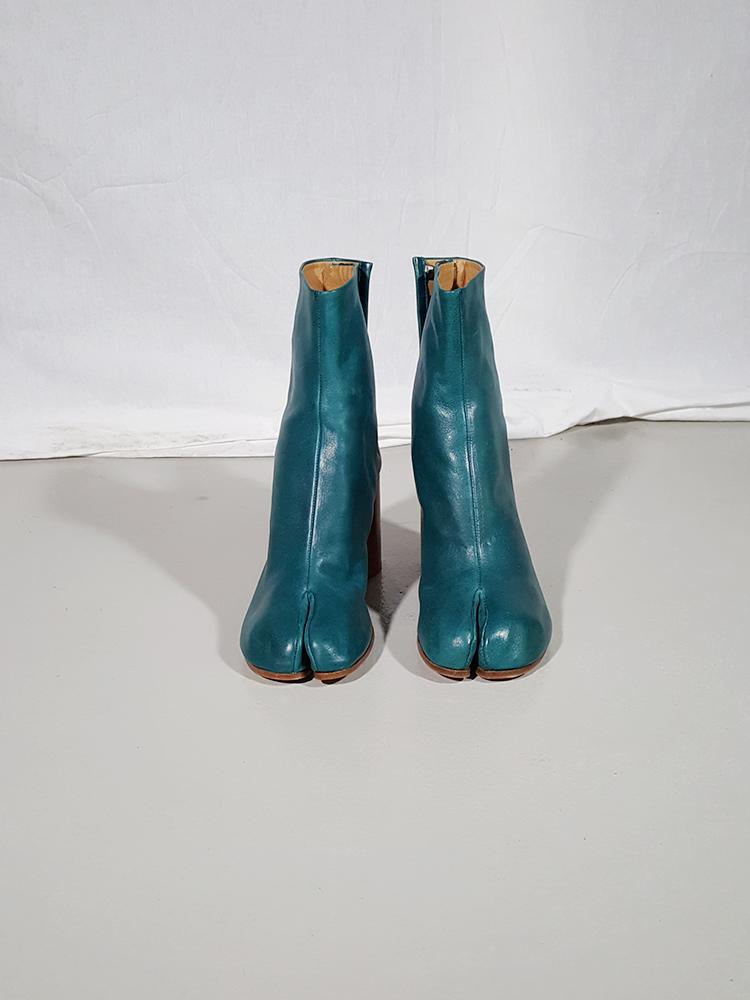 Maison Martin Margiela green tabi boots with wooden block heel (40)