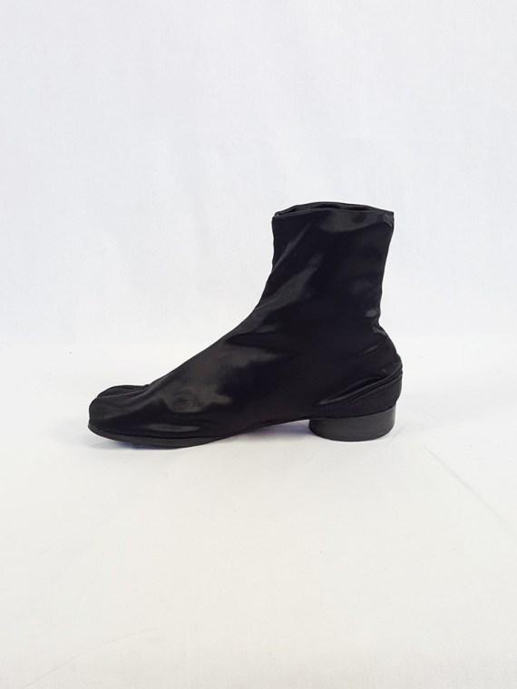 vintage Maison Martin Margiela black satin tabi boots with low heel fall 1998 105319
