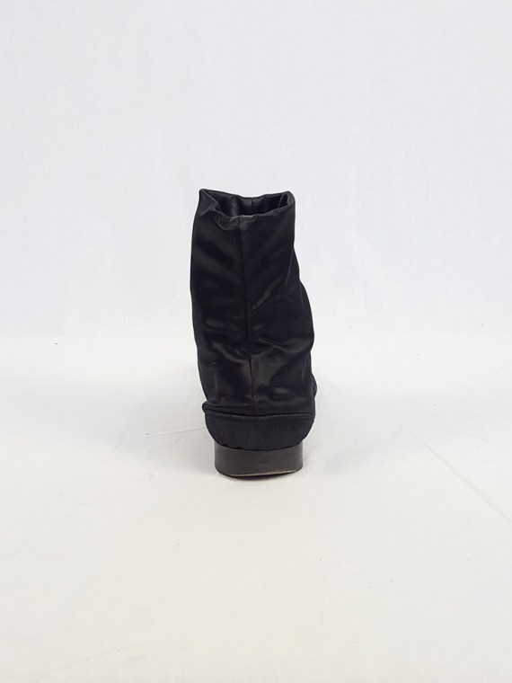 vintage Maison Martin Margiela black satin tabi boots with low heel fall 1998 105417