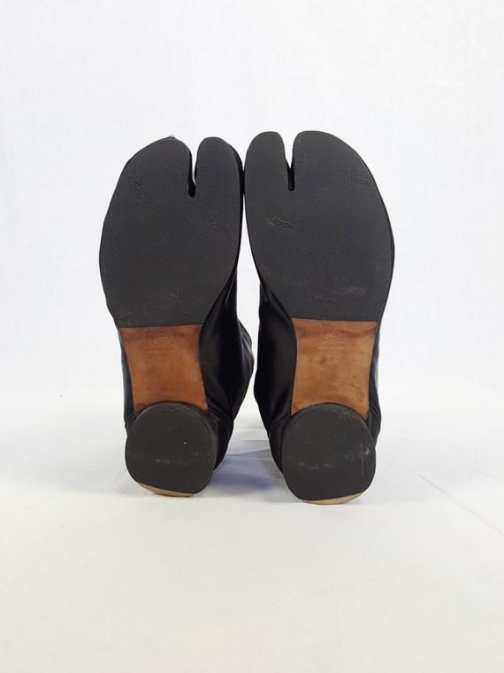 vintage Maison Martin Margiela black satin tabi boots with low heel fall 1998 105539