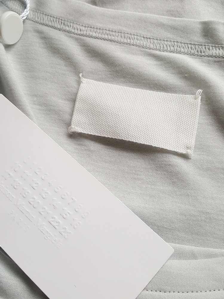 Maison Martin Margiela grey t-shirt with gathered sleeve — spring 2008