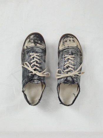 Maison Martin Margiela painted sneaker (42) — fall 2006