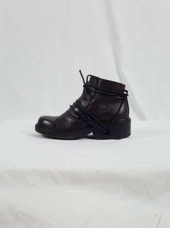 Dirk Bikkembergs burgundy boots with front flap and laces through the soles (37) — 90's