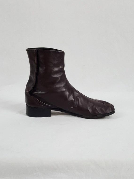 Maison Martin Margiela brown tabi boots with low heel (40) — fall 1998