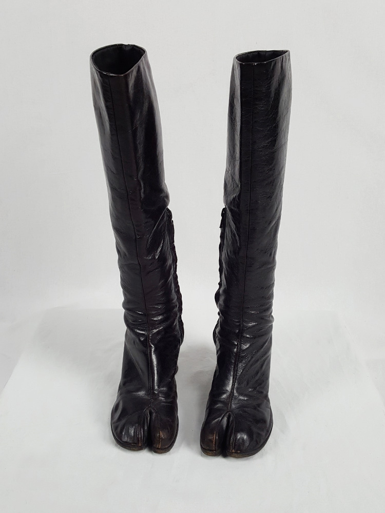 vaniitas vintage Maison Martin Margiela brown tall tabi boots with round heel runway fall 2003 215145(0)