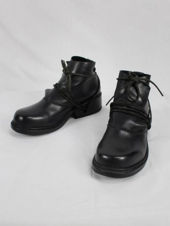 Dirk Bikkembergs black boots with flap and laces through the soles (41) — late 90's