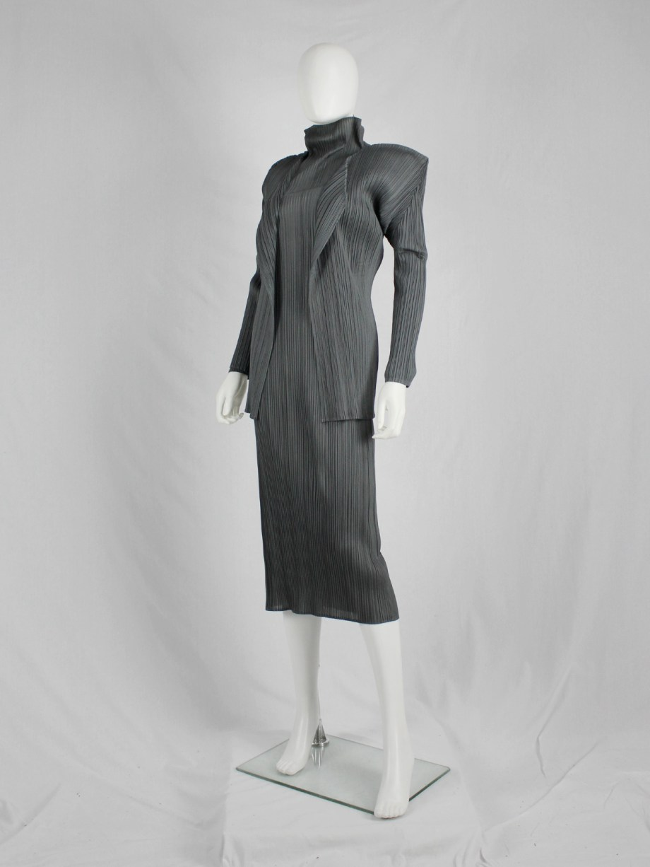 Issey Miyake Pleats Please grey open cardigan with square shoulders