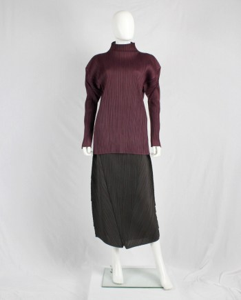 Issey Miyake pleates burgundy jumper with square shoulders