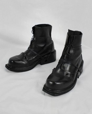 Dirk Bikkembergs black mountaineering boots with laces through the soles (41) — late 90's