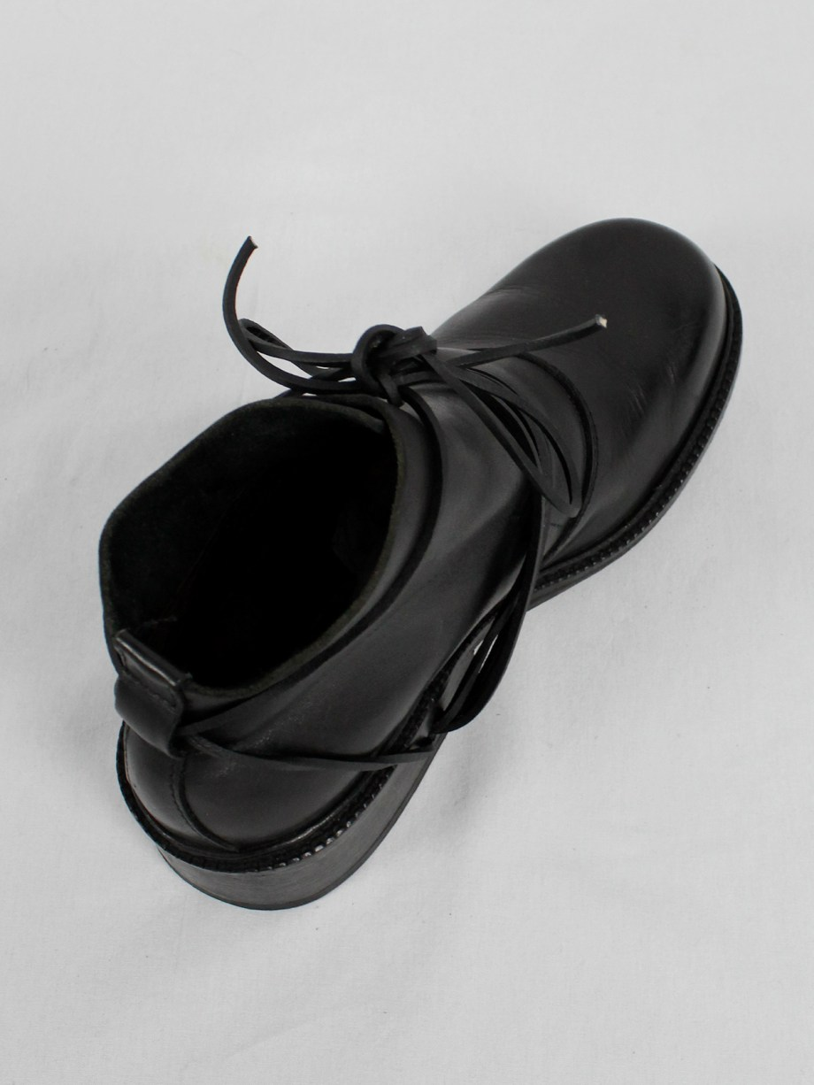 Dirk Bikkembergs black boots with flap and laces through the soles (41) — fall 1994
