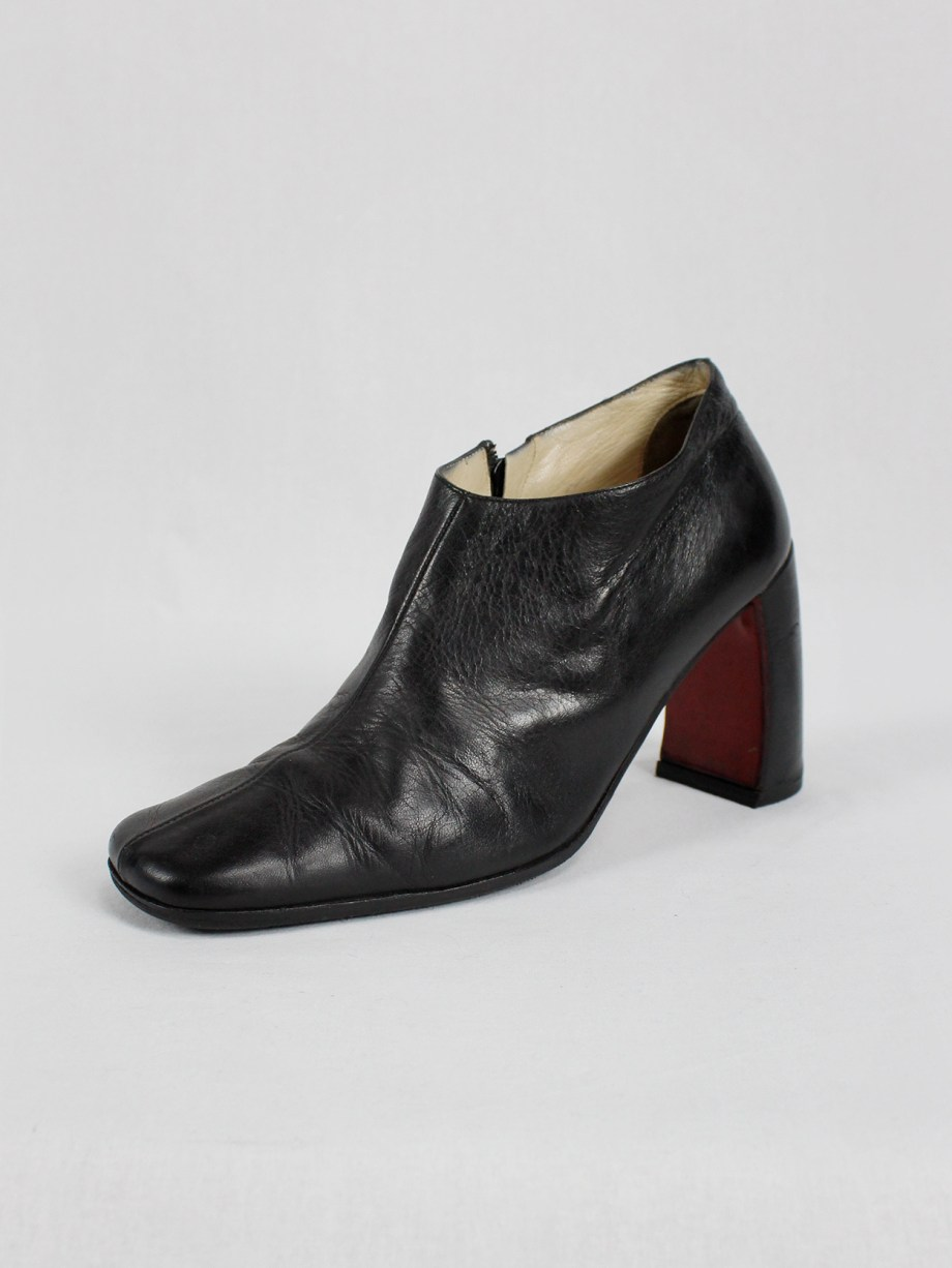 Ann Demeulemeester black below-ankle boots with banana heel (40) — early 90's