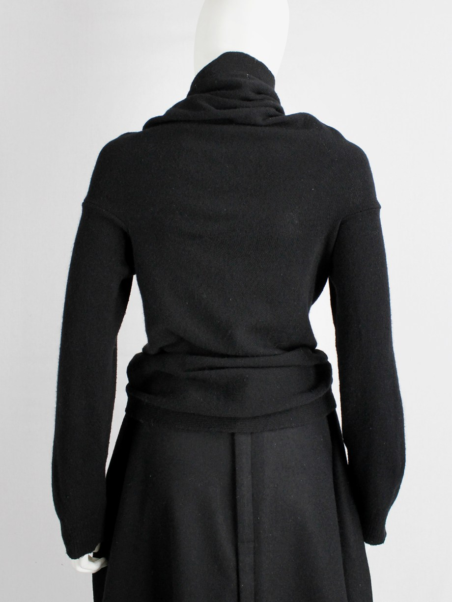 Comme des Garçons black circular jumper with orange buttons and cutaway front fall 2002 (16)