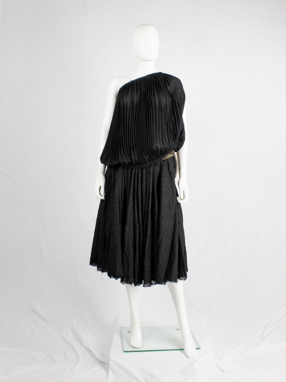 Junya Watanabe black pleated circular top — fall 2009