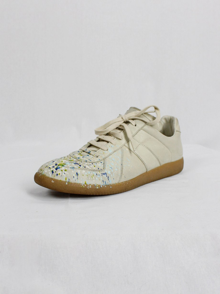 vintage Maison Martin Margiela replica beige sneakers with paint splatters (24)