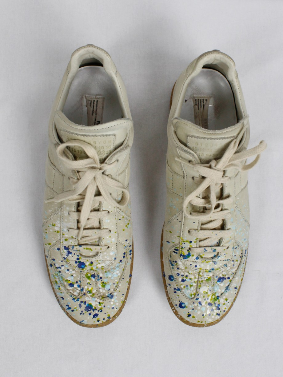 vintage Maison Martin Margiela replica beige sneakers with paint splatters (5)