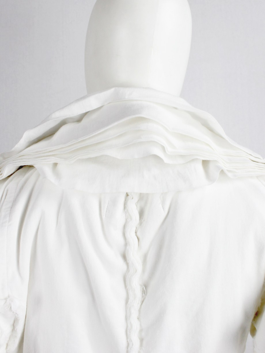 Junya Watanabe white blazer made of 8 blazers layered over each other spring 2005 (6)