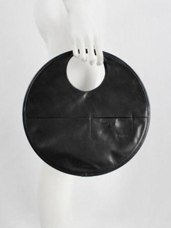 Y'SACCS Pour Tous black circle shaped handbag — 1990's