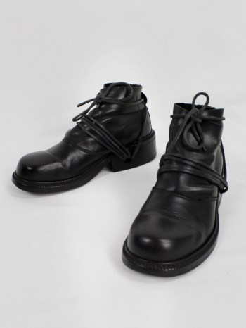 Dirk Bikkembergs black boots with flap and laces through the soles (39) — fall 1994
