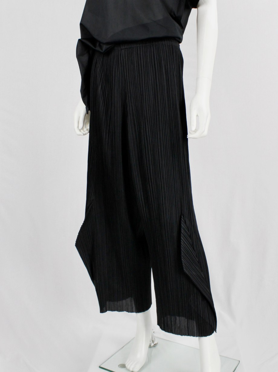 Issey Miyake Pleats Please black wide trousers with 3D triangles at the hem