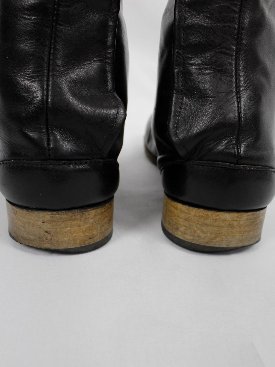 Maison Martin Margiela black leather tabi boots in with low heel (37) — fall 1998