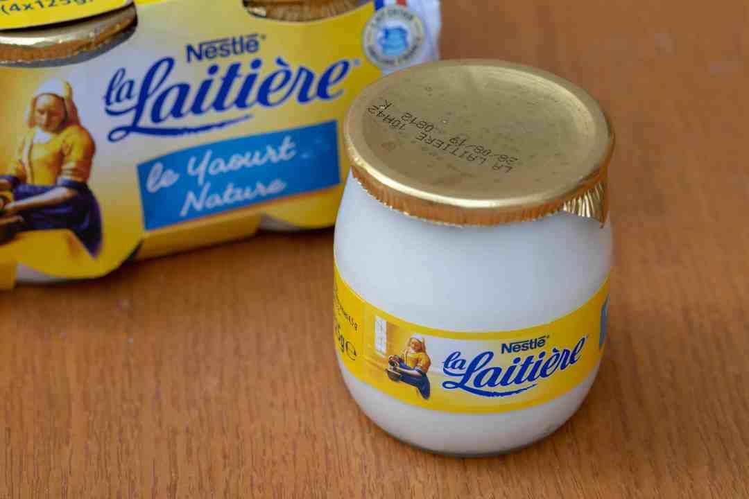 la laitière yogurt in glass jars