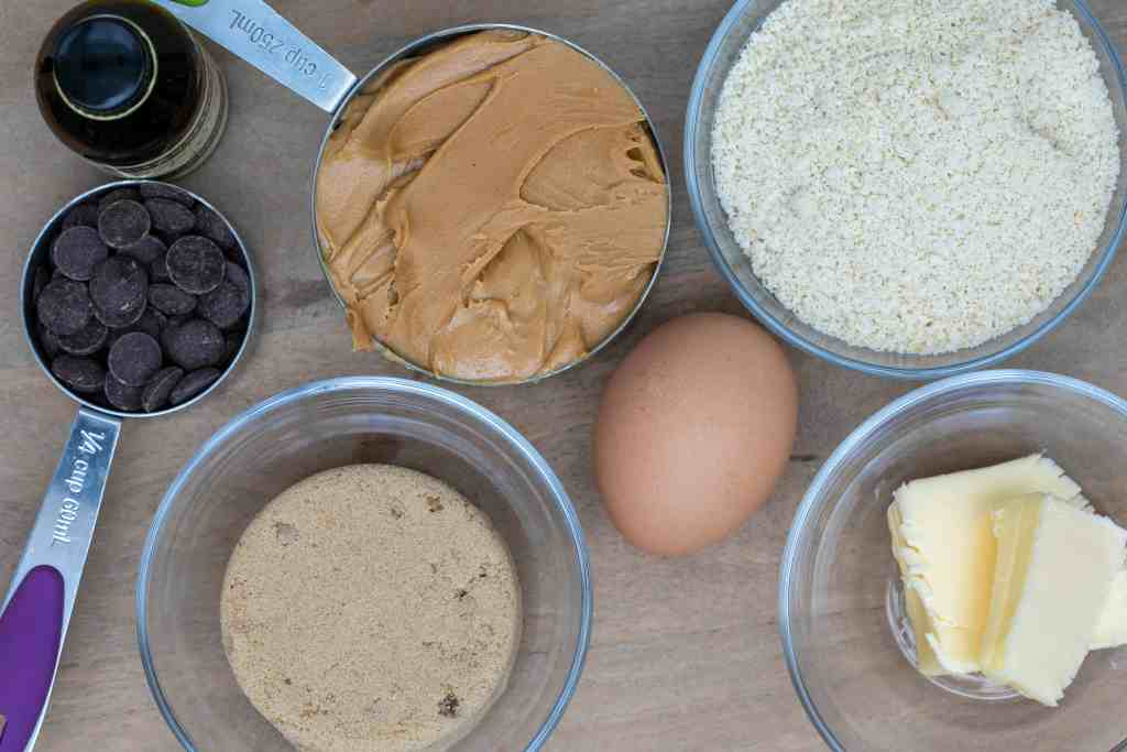 ingredients for almond flour peanut butter cookies