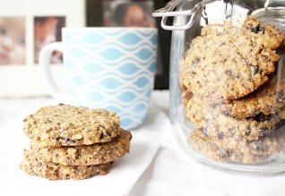 Walnut Maple Cookies