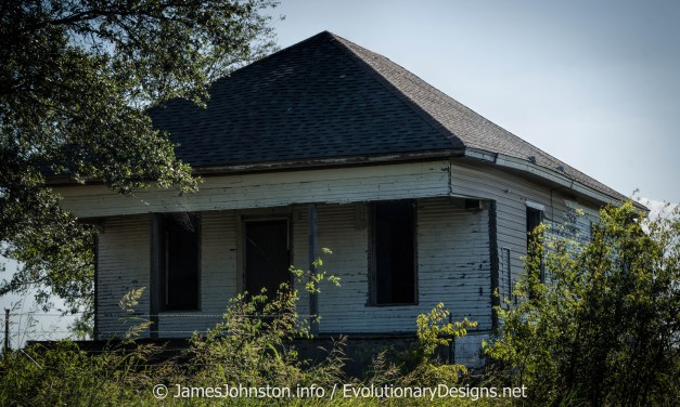 Abandoned Farm House West of Sherman, Texas – Demolished