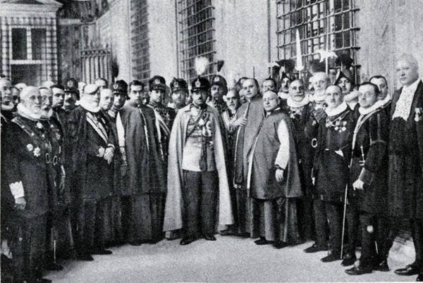 El Rey en el Vaticano en 1928