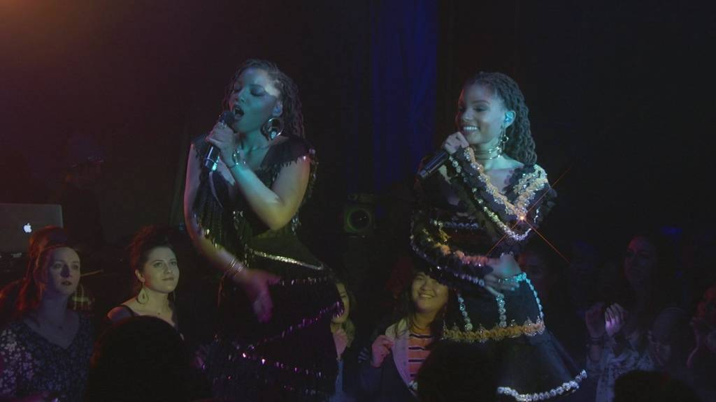 Chloe x Halle Perform 'Happy Without Me' & 'The Kids Are Alright' On Jimmy Kimmel Live!