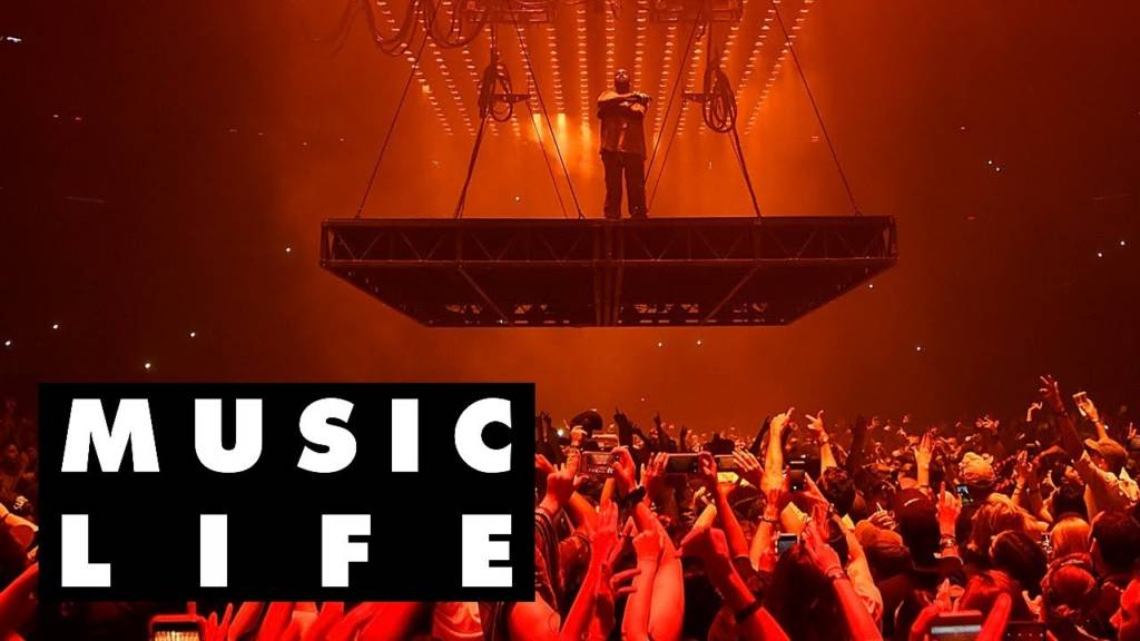 How Kanye West & Travis Scott's Stages Come To Life