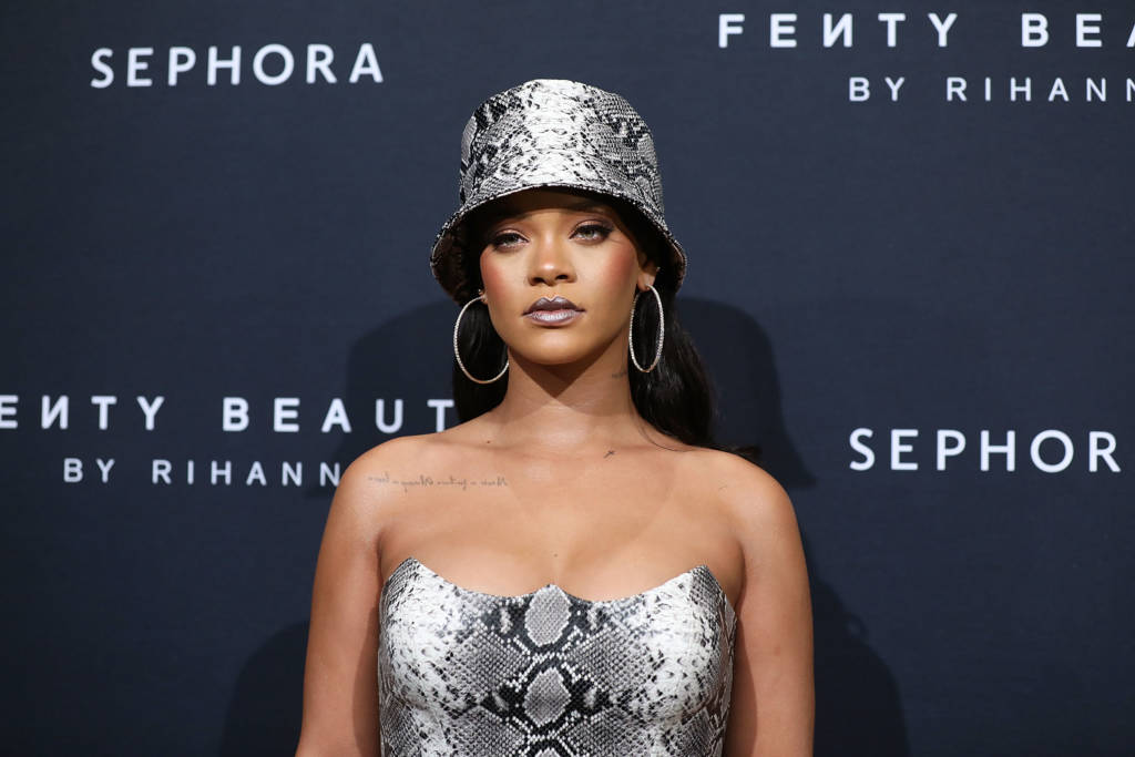 Rihanna Warns Donald Trump Not To Play Her Music At His Rallies